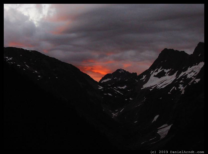 Eldorado Peak climb: sunrise over Cascade Pass