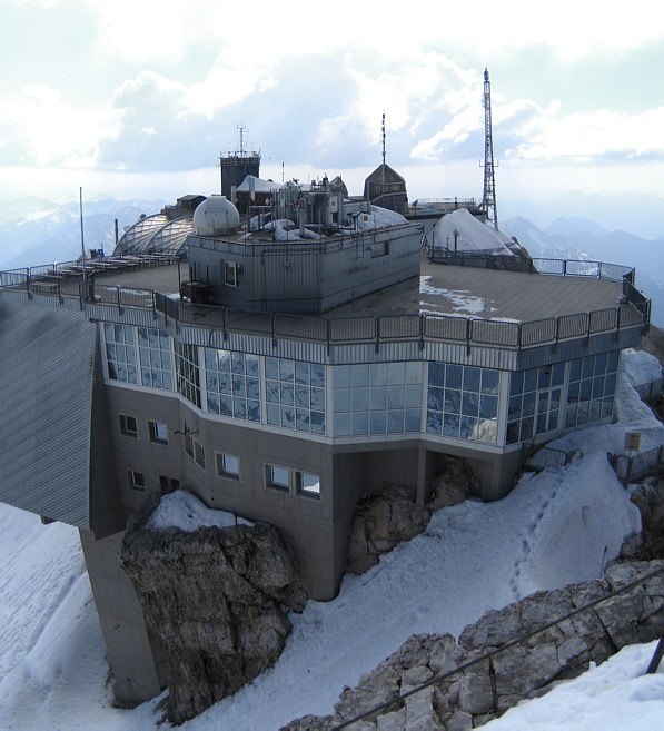 Zugspitze via Höllental: What an ugly summit...