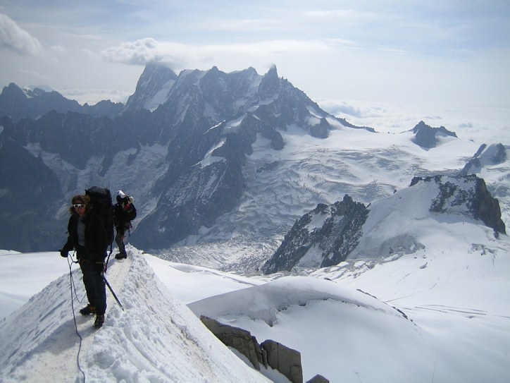 Mont Blanc: on the snow ridge