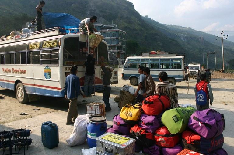 Beni: unloading the bus