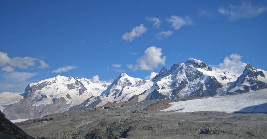 Matterhorn via Hörnli ridge: Monte Rosa group with Dufourspitze, Lyskamm, Breithorn, and Kleines Matterhorn