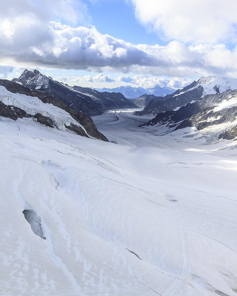 Share ... & Climbing the Eiger via Mittellegi Ridge - Daniel Arndt